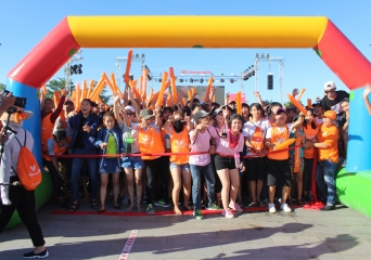 Immerse in a Feast of Colours - Color Me Run- with Vietnamobile