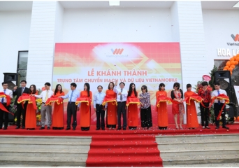 Vietnamobile commemorates the 1 st anniversary of Vietnamobile Telecommunication Joint Stock Company and inaugurates new Mobile Telephone Switching Office & Data Center